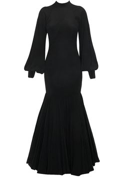 Black fit and flared mermaid gown available only at Pernia's Pop Up Shop.