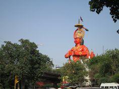 Leafleting at the Jhandewalan Temple in New Delhi, India | Kalki Avatar Foundation
