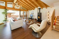 Monte Cristo Nr. 1 (6 people) - Apartment - ZERMATT - Switzerland - 2975 CHF ###4½ Room Apartment East with 3 bed rooms on 2 floors, Ap. Nr. 1  Spacious 4½ room apartment with 140 m2 of living space, three double bedrooms for up to 6 persons. This sunny apartment has a wonde