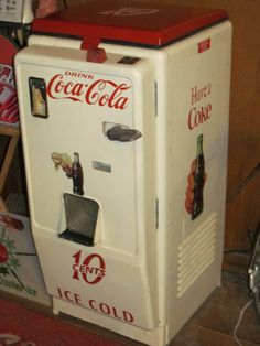 Vintage 1950s Cavalier C-33 Coca Cola Bottle Vending Machine