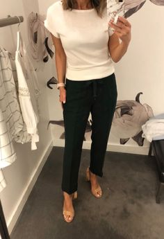 - Outfits for Work fashionable business attire fashionable bu. - Outfits for Work fashionable business attire fashionable bu. Summer Business Attire, Business Professional Outfits, Business Casual Outfits, Office Outfits, Office Wear, Young Professional, Office Attire, Business Fashion, Office Uniform