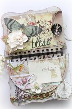 Really Cute Mini Album.... Love the shabby look and the envelope...