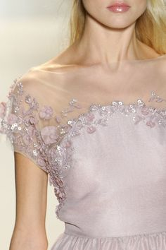Decadent details on this dainty Valentino dress. Couture Details, Fashion Details, Fashion Design, Pretty Dresses, Beautiful Dresses, Lesage, Runway Fashion, Womens Fashion, Lela Rose
