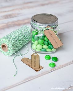 Tie this adorable St. Patrick's Day printable tag onto candy-filled had, and you've got a super cute gift for teachers, neighbors, and friends!
