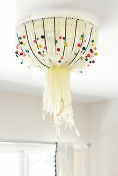 Unordinary Diy Hanging Lamp Ideas For Home. Here are the Diy Hanging Lamp Ideas For Home. This post about Diy Hanging Lamp Ideas For Home was posted under the Furniture category by our team at September 2019 at pm. Hope you enjoy it and don& . Bohemian Lamp, Boho Diy, Modern Bohemian, Diy Luz, Diy Light Fixtures, Ceiling Fixtures, Lamp Cover, Diy Inspiration, Ideias Diy
