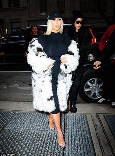 200 Kardashian S Ideas Kardashian Kardashian Style Kim Kardashian Style