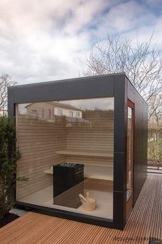 Design garden sauna with panoramic glazing - black box by design @ garten - Alfred Hart - design garden house and balcony cabinets from Augsburg Terrasse Design, Patio Design, Rooftop Garden, Indoor Garden, Outdoor Sauna, Outdoor Decor, Design Sauna, Sauna House, Hotel Door