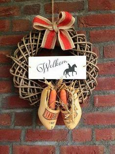 🌟Tante S!fr@ loves this📌🌟Welkom sint Christmas Crafts, Christmas Decorations, Xmas, Christmas Ornaments, Seasonal Decor, Holiday Decor, Creation Deco, Winter Magic, Grapevine Wreath