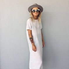 White figureless midi