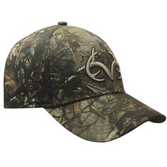This Realtree hat it the perfect Hat for everyday wear and Hunting! Realtee Xtra Pattern is featured on this Pro-flex Fitted cap. Features Structured Fitted Cap Realtree Embroidered on the Back Realtr