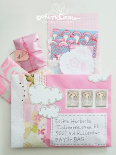 que es snail mail que es happy mail ideas snail mail ideas happy mail Pen Pal Letters, Pocket Letters, Mail Art Envelopes, Snail Mail Pen Pals, Art Postal, Papier Diy, Envelope Lettering, Fun Mail, Decorated Envelopes