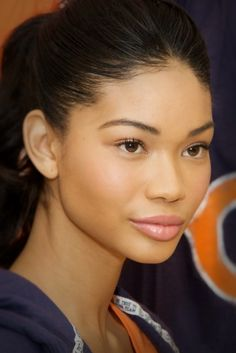 Chanel Iman. Rosy cheeks, pink lips & minimal eyes