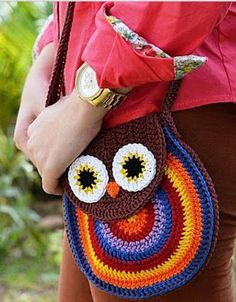 hehe, I like this crochet owl bag so bad Crochet Owl Purse, Crochet Owls, Crochet Handbags, Crochet Purses, Love Crochet, Crochet For Kids, Crochet Crafts, Crochet Yarn, Crochet Projects