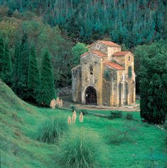 Iglesia San Miguel de Lillo -Prerrománico- Patrimonio de la Humanida- Oviedo Asturias España www.asturiasyenatural.es