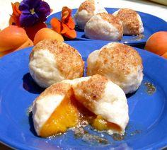 Knedle z ciasta serowego z morelami* - cincin.cc - witaj w krainie inspiracji smaku