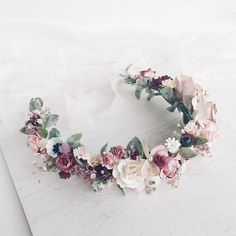 Amazing floral crown with leafs, blush, burgundy and dusty pink flowers, creamy and white flowers, berries. Crown is available with silk hand painted ribbon (as pictured) or with satin ribbon. Due to the flexible design of wreath individually adapts to the shape of the head. Length 38 cm /