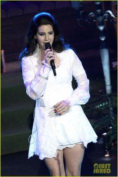Lana Del Rey: Paris Concert Stop!