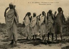 Post images of Somali men and women dressed in traditional fashion: Guntiino: a traditional Somali female dress worn at weddings and festivals: Traditional Fashion, Traditional Dresses, Muslim Men Clothing, Man Praying, Muslim Pray, Jesus Painting, Dress Attire, African Men, African Culture