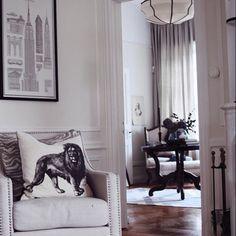 @tretowdeco #livingroom #homedesign #deco #casa #fashion #interiordetails #likesforlikes #interiores #likeforlike #interiorstyling #finahem #skandinaviskehjem #interiorstyle #interiordesign #design #interieur #indretning #decor #instahome #styling #interior #interior123 #interior125 #inspo #bolig #finahem #boliginspiration #dekor #homedecor by interior.home.life http://discoverdmci.com