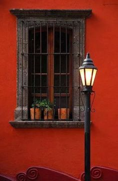 San Miguel de Allende, Guanajuato Bars over windows can actually look pretty! Front Windows, Old Windows, Windows And Doors, Fachada Colonial, Window Grill, Window View, Old Doors, Mexican Style, Spanish Style