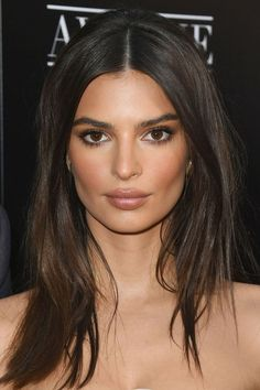 How to do the beauty look of Amal Clooney yesterday .- Wie man den Schönheitslook von Amal Clooney von gestern Abend nachstellt How to adjust the beauty look of Amal Clooney from last night – Emily Ratajkowski-HarpersBAZAARUK – - Cara Delevingne, Amal Clooney, Fall Hair Cuts, Hair For Fall, Braut Make-up, Natural Makeup Looks, Natural Makeup For Brown Eyes, Brown Makeup, Natural Smoky Eye