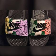 Trendy how to wear nike slides products ideas Custom Jordans, Custom Sneakers, Custom Shoes, Nike Custom, Fashion Mode, Sport Fashion, Fashion Shoes, Nike Slide Sandals, Bling Flip Flops