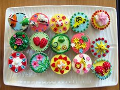 Decorating Cupcake Cakes