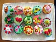 Decorating Cupcake Cakes