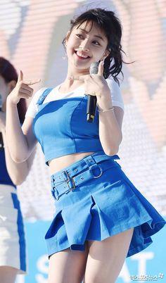 Twice - Nayeon 😍 💜 : Cheer Up Kpop Girl Groups, Korean Girl Groups, Kpop Girls, Korean Fashion Teen, Teen Fashion, Cute Korean Girl, South Korean Girls, Nayeon, Asian Woman