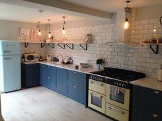100+ Stunning Industrial Kitchen With Shaker Cabinets Design Ideas https://decorspace.net/100-stunning-industrial-kitchen-with-shaker-cabinets-design-ideas/