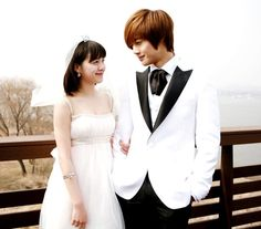 Boys Over Flowers / 꽃보다 남자 . An amazing drama! One of my favorites! In my top 3. I love this!