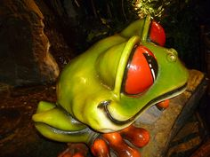 Rainforest cafe London Rainforest Cafe, Tropical Fish Tanks, After Prom, Mall Of America, London, Summer Ideas, Eat, Board, Shop
