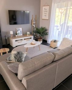 37 brilliant solution small apartment living room decor ideas and remodel 30 Small Apartment Living, Small Apartment Decorating, Apartment Interior Design, Small Living Rooms, Room Interior, Budget Living Rooms, Decorating Small Living Room, Small Living Room Designs, Small Living Room Ideas On A Budget