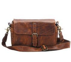ONA Bags Bowery Cognac   Edle Kamerataschen aus Leder für Frauen und Männer