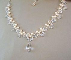 Elección de blanco o crema de perlas novia por BridalDiamantes