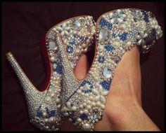 Bedazzled bride shoes.<3