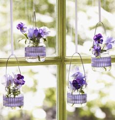 Ideen Frühling babygläser stiefmütterchen lila fensterdeko