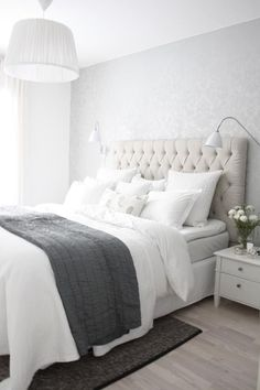 White And Grey Master Bedroom Interior Design Ideas Bedroom Styles, Beautiful Bedrooms, Beautiful Interiors, Dream Bedroom, Pretty Bedroom, New Room, Home And Living, Clean Living, Bedroom Decor