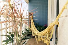 Gorgeous Hammock Ideas For Apartment Balconies - Unique Balcony & Garden Decoration and Easy DIY Ideas Small Balcony Decor, Balcony Design, Balcony Ideas, Apartment Balconies, Balcony Garden, Decoration, Future House, Outdoor Gardens, Architecture Design