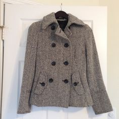 Black and White Pea Coat Black and White peat coat in excellent condition. No stains, pulls etc. SUPER warm! Express Jackets & Coats Pea Coats