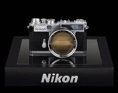 NIKON LE MAG - Thierry Ravassod : le collectionneur aux 500 boitiers et 600 objectifs Nikon