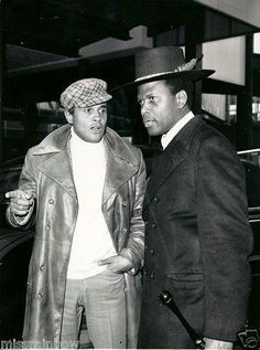Actors Harry Belafonte and Sidney Poitier. Black Actors, Black Celebrities, Celebs, Divas, Harry Belafonte, Vintage Black Glamour, Black History Facts, Raining Men, Thing 1