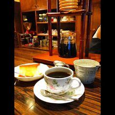 上野@自家焙煎珈琲のカフェ・ラパンでグァテマラと焼きプリン。- Cafe Lapin