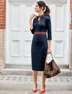 Style your look with elegant women's workwear. Smart office wear dresses, trousers and suits make up your weekday wardrobe. Office Fashion, Work Fashion, Dress Fashion, Business Casual Dresscode, Stylish Office Wear, Casual Office, Estilo Kate Middleton, Boden Women, Feminine Dress