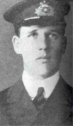 James Paul Moody (Scarborough 21 August 1887 – Atlantic Ocean 15 April was the Sixth Officer of the RMS Titanic and the only junior officer of the ship to die in the disaster Titanic Sinking, Titanic History, Titanic Wreck, Belfast, Liverpool, A Night To Remember, Modern History, The Past, Fotografia