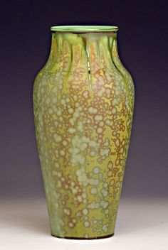 Olive Crystalline Vase by Bruce Gholson, Seagrove, NC Pottery Vase, Ceramic Pottery, Ceramic Art, Green Vase, Contemporary Ceramics, Arts And Crafts Movement, Vintage Pottery, Craftsman Style, Artist At Work