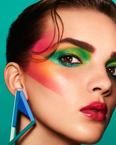 Makeup Trends That Will Blow Your Mind - Bafbouf - - makeup history has always been remembered as creative, loud and bright. After the nude makeup trends, some colors are needed to pop. This is the reason why it appears everywhere you go again. 80s Eye Makeup, Glam Rock Makeup, 80s Makeup Trends, 1980s Makeup, Makeup Inspo, Makeup Inspiration, Face Makeup, Makeup Ideas, Disco Makeup