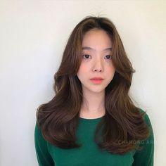 26 Best Ideas For Hair Long Layers Brunette Blondes Korean Long Hair, Asian Hair, Long Layered Hair, Long Curly Hair, Medium Hair Styles, Short Hair Styles, Ulzzang Hair, Hair Upstyles, Hair Reference