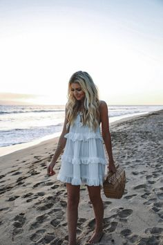 36 Trendy Summer Outfit Ideas and Looks to Copy Now Source by dresses idea Trendy Summer Outfits, Spring Outfits, Outfit Summer, Mode Outfits, Fashion Outfits, Fashion Clothes, Fashion Tips, Beach Dresses, Summer Dresses