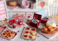 This mini cherry pastry set comes with everything needed for homestyle Valentine goodness! Included is a distressed baking sheet of unbaked